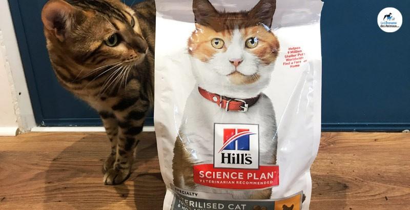 Zazou a testé les croquettes Hill's Science plan Feline Young Adult pour chats stérilisés
